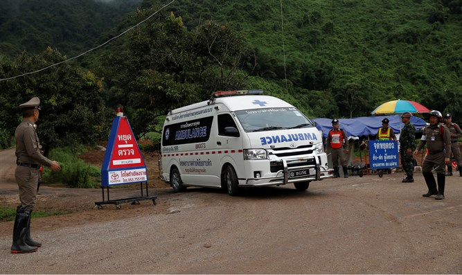 Thai cave rescue: All 12 boys and coach rescued after marathon ordeal